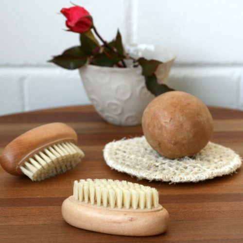 Nail-brushes,-olive-oil-soap-and-natural-exfoliating-pad